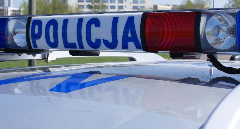 Motoryzacja, Policjanci ścigali pijanego kierowcę - zdjęcie, fotografia