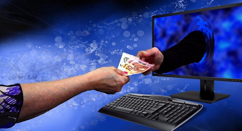Gospodarka, Zakupy płatności przez internet robimy ostrożniej - zdjęcie, fotografia