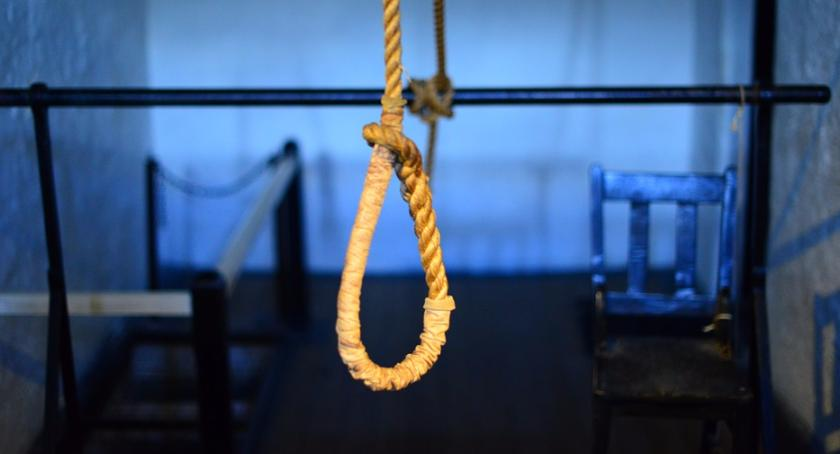 Wiadomości, Ponad połowa prób samobójczych Polsce kończy zgonem - zdjęcie, fotografia