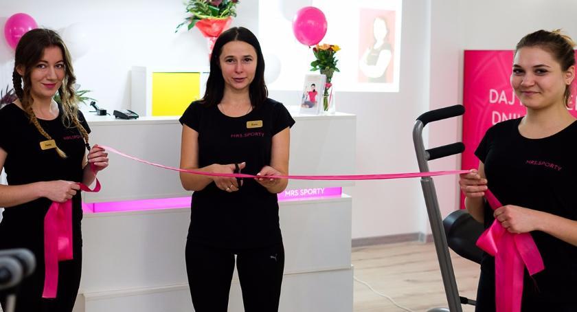 Styl życia, fitness kobiet otworzył podwoje oczywiście tylko - zdjęcie, fotografia